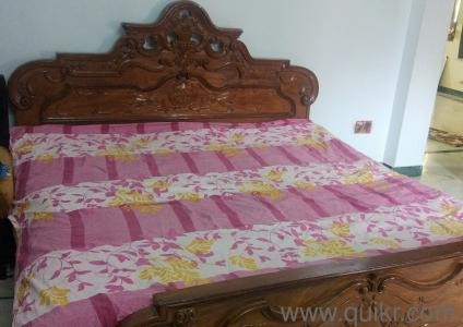 Teak wood cot and dressing table set with mattress king for Dressing a king size bed
