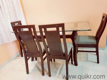 Dining Table For Sale In Navi Mumbai 6 months old 6 Seater Dining