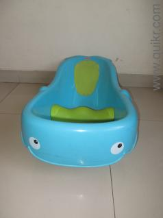 fisher price bath tub in hadapsar pune used baby infant products on pune quikr classifieds. Black Bedroom Furniture Sets. Home Design Ideas