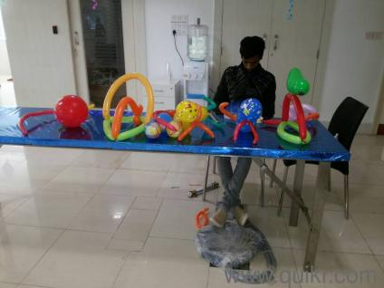 Birthday party package at rs 1500 in santacruz east for Decoration job in mumbai
